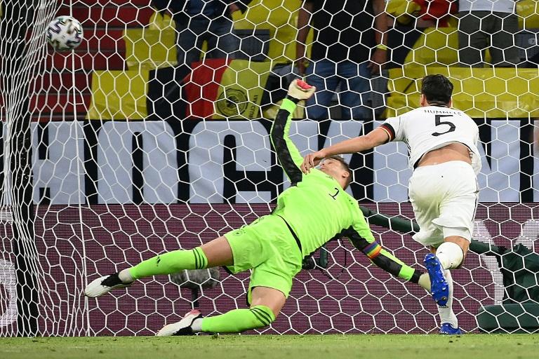 هدف-عكسي-من-هوملس-يهدي-فرنسا-فوزا-غاليا-على-ألماني
